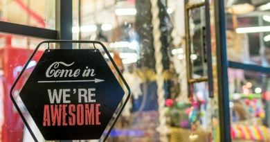 5 Tips to Making Your Storefront Attractive to Customers